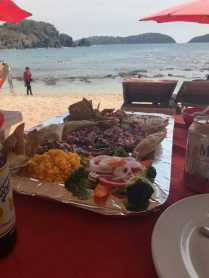 Isla Grande lunch