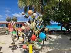 Pearl buoy tree