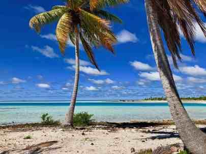 Raroia blue lagoon